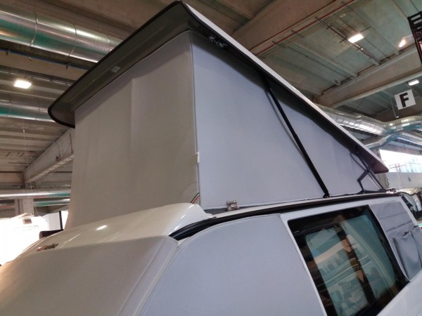 Telo termoisolante esterno per il tetto sollevabile a soffietto Volkswagen VW T5 / T6 con tetto Reimo