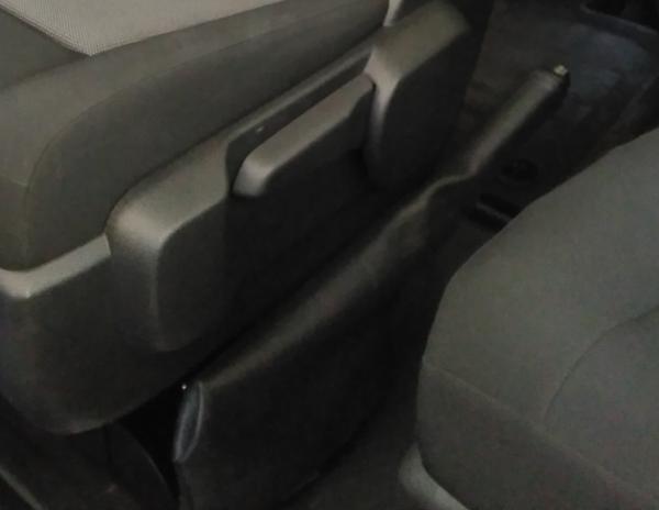 Handbremsabdeckung Drehkonsole Citroen Spacetourer und Peugeot Traveller