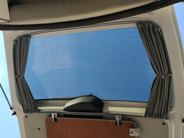 Vorhang-Set komplett für den VW Caddy ab 2012, kurz für alle 5 Fenster