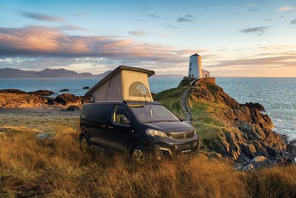 Bravia SWAN 495 auf Basis Peugeot Traveller Active